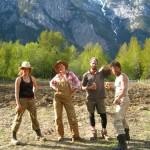 La terre bientôt prête à walker-island.Avec Corisa, Corine et Pierre