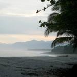 le camping sauvage a du bon: sur une plage en colombie