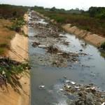 dechets de toutes sortes polluent aussi les rivieres