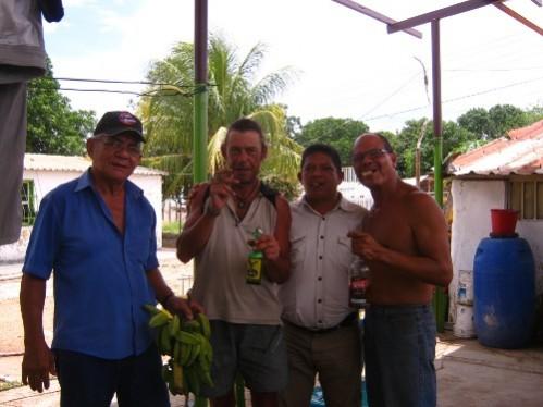 Dans le resto de chez Freddy, je suis recu en grande pompe... avec cigar de la Havanee