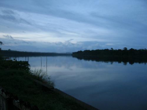 L'Oiapoque fleuve frontière,côté Français
